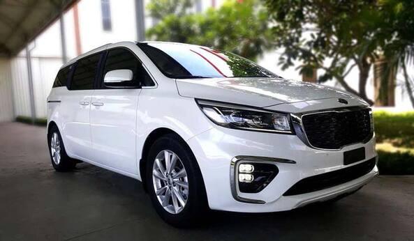 Sedona là chiếc xe SUV 7 có diện mạo sang trọng, lịch lãm với phần đầu xe nổi bật lưới tản nhiệt