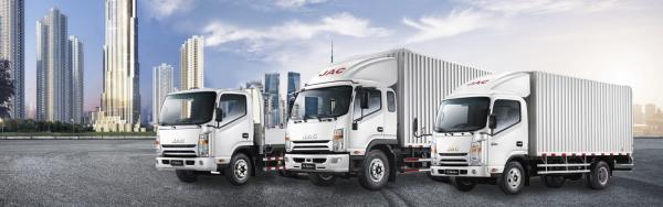 Kinh doanh đa dạng các dòng xe tải khác nhau