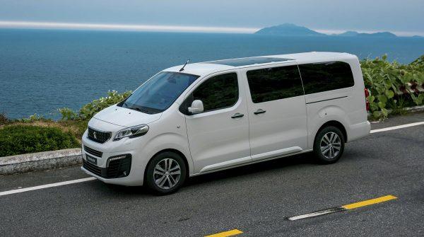 Mẫu xe Peugeot Traveller đánh giá chi tiết