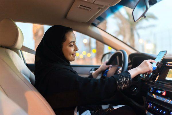 Kinh nghiệm cho chị em lái ô tô cần biết